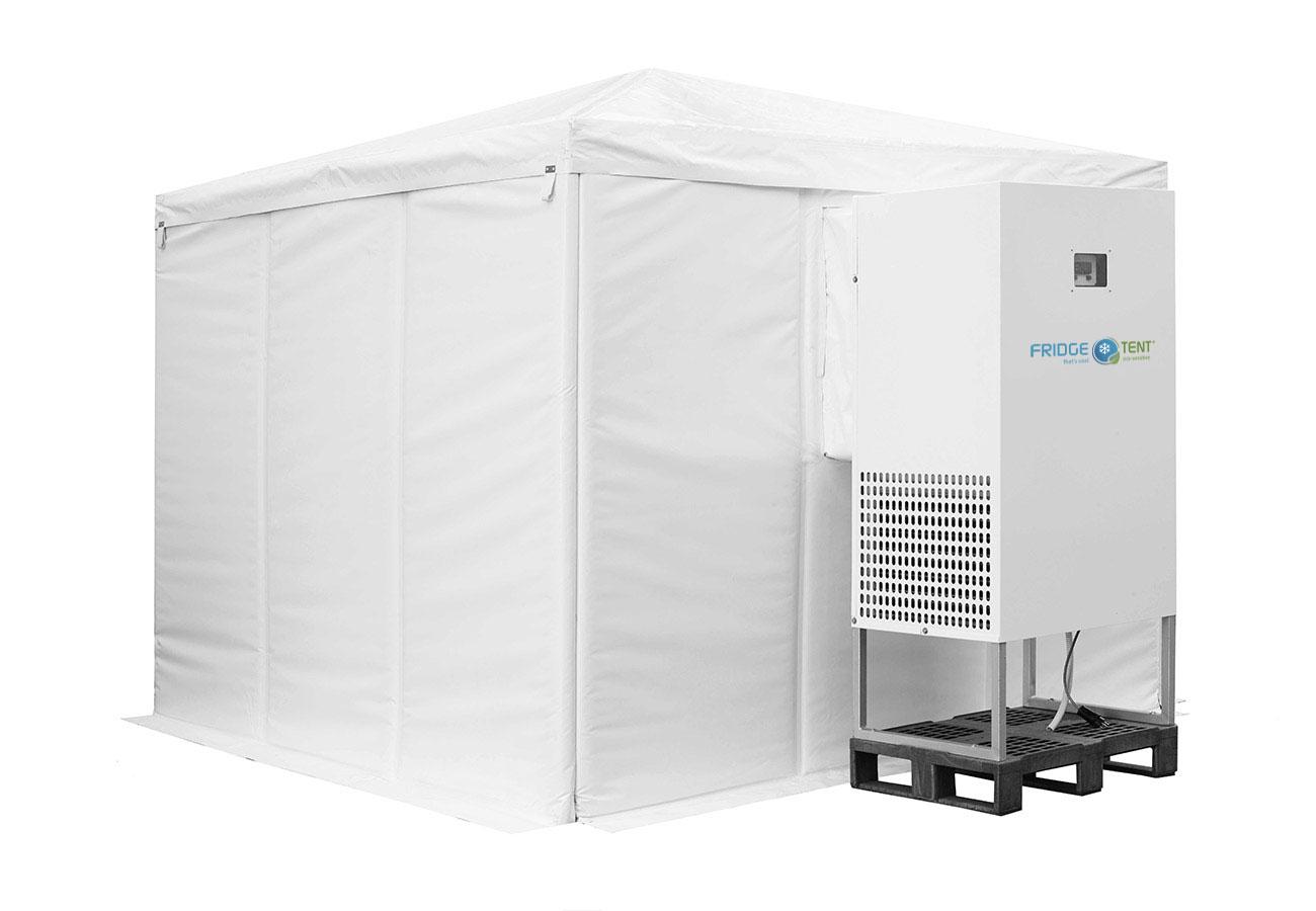 Fridge Tent aufgebautes Zelt mit Kühlaggregat von hinten