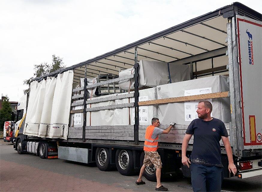 Fridge Tent Kühlzelt im Transporter und Aufbau